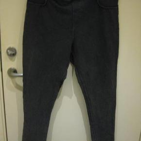 George leggngs str 48 Livvidde 2x48 cm med en lille smule stræk - Indvendig benlængde 69cm - bomuld/polyester/elastane - 55 kr. plus porto Mørkegrå (m4910)