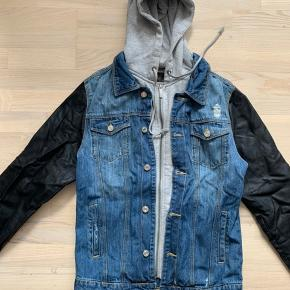 3-in-1 hoodie, Jean jacket and leather jacket all in one!