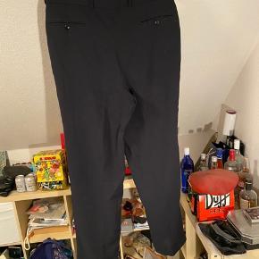 Ældre Hugo Boss jakkesætsbukser str 54 Ca 34 længde
