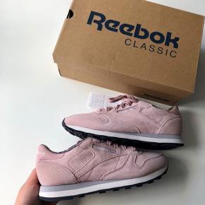 Reebok Classic rosa sneaks str. 38 🏃🏽♀️👟  Byd gerne kan både afhentes i Århus C eller sendes på købers regning 📮✉️