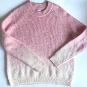 Envii Ombre pink-hvid sweater. 🌸💘