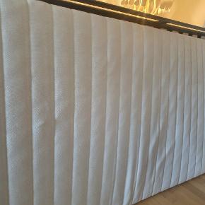 To Ikea MALFORS madrasser til salg.  90×200. Aftageligt betræk. Brugstegn og små pletter, men ellers pæne. 200 kr stk.