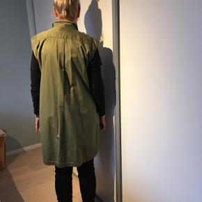 By Malene Birger skjorte