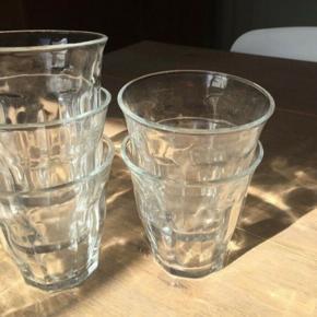 20 små og 5 store cafeglas kan hentes i Jyllinge for kr. 125. De er brugte men stadig pæne. Købt i inspiration. De kan alternativt hentes i Farum