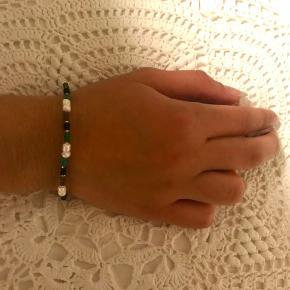 Bracelet with elasticband🌿 Kan også sendes med forsendelse på 10 kr