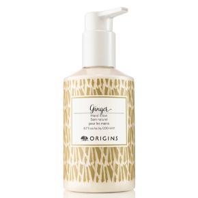 Helt ny. Origins Ginger håndsæbe 200 ml.  Omgiv din hud med luksuriøs skum fuld af ingefærens uimodståelige, sensuelle aroma. Kokosnøddeekstrakt kombineret med glycerin renser effektivt og efterlader dine hænder silkebløde. Du får samtidig et boost af bergamot, citron og lime.   Jeg har også en ny håndcreme med pumpe der passer til - se min anden annonce 😊  Tags: håndlotion hand cleanser creme pleje ingefær sæbe vask