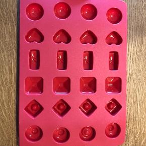 Chokolade form fra Tupperware sælges, da den aldrig er blevet brugt.