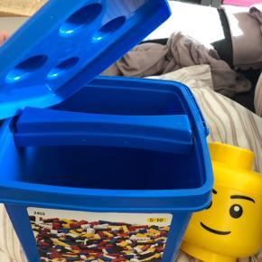 To kasser til opbevaring LEGO sælges samlet  K8