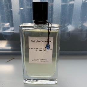 California Reverie 75 ml. Fra Can Cleef & Arpels. Super lækker feminin duft. Normalpris 995 kr.