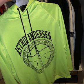 Sælger denne AA hoodie, da den ikke bliver brugt, BYD