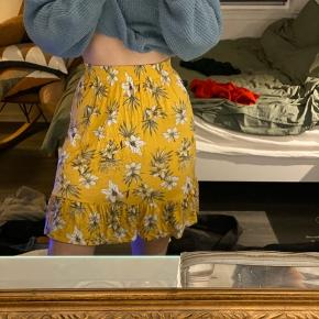 Flot og dejlig nederdel str xs