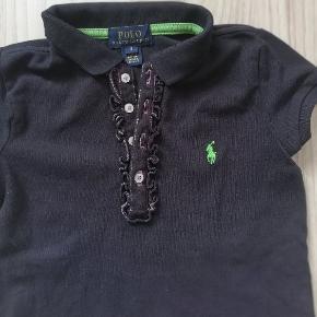 Skøn polo t-shirt fra Ralph Lauren, i fin stand.  Størrelsen hedder 5. Sender gerne og hurtig🚀📬😍