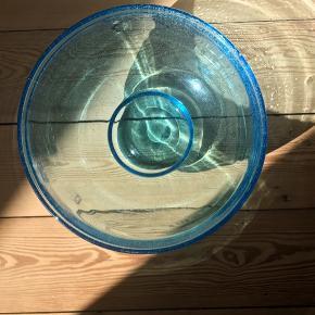 Frugtskål, salatskål evt. Elsker denne blå farve. Ø24 H13,5