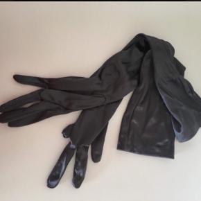 Grå lange satin handsker  str s   Super lækre