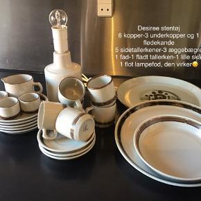 Samlet pris 200kr Desiree stentøj 6 kopper-3 underkopper og 1 flødekande  5 sidetallerkener-3 æggebægre 1 fad-1 fladt tallerken-1 lille skål 1 flot lampefod, den virker?? Alt er helt uden skader