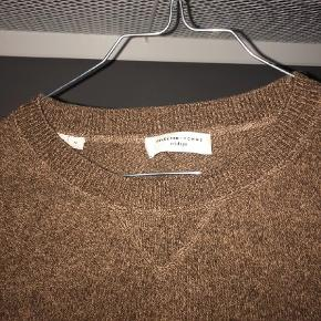 Varetype: Sweatshirt Farve: Brun