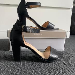 Pavement heels