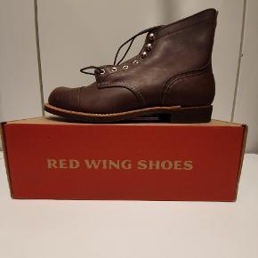 """Red Wing 8111 """"ny sål"""" US10 euro 43  Ikonisk støvle fra Amerikanske Red Wing, håndlavede støvler i høj kvalitet.  Prisen er fast"""