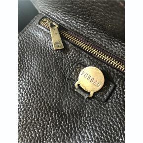 Smukkeste Mulberry Roxanne taske i skind.   Fantastisk god stand! Du finder ikke en lignende taske til så god en pris!!!  Mål: 36x20x20 cm  Bud er velkomne