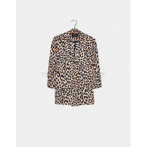 Let leopard jakke