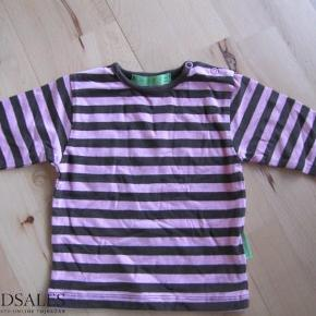 Brand: Hugorm Varetype: NY langærmet bluse Farve: Brun/lyserød  Super super sød bluse i lyserød/brun. Havde alt for mange bluser, så glemte alt om denne.   Vasket i Neutral. IKKE tumblet.
