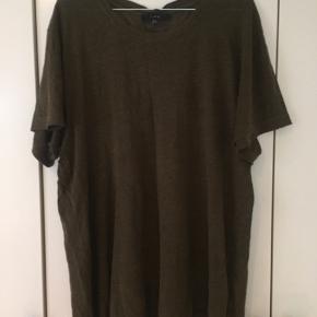 Lækker 100%linen T-shirt fra Iro I flot army  Brugt 2-3 gange Str xl