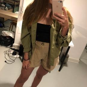 Zara shorts. Perfekt stand