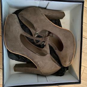 Bullboxer heels