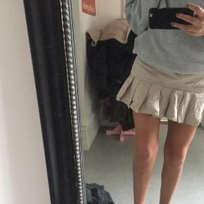 Super fin nederdel fra Ralph lauren sælges;)