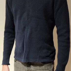 Virkelig lækker herresweater, som står som ny - det perfekte køb op til disse kolde tider🕺🏼❄️