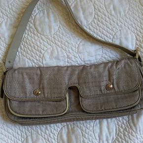 Vintage dkny skulder taske  Spørg gerne efter flere billeder😊