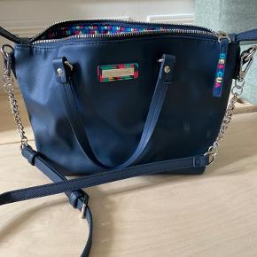 Rummelig taske, medium str Udvendig 100% polyethane