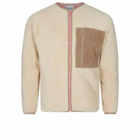 Fin jakke / overgangstrøje fra H2Ofagerholt. Vil gerne bytte den til en str. M.