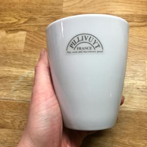 6 stk pillivuyt kopper uden hank. Som nye. Sælges da jeg har købt nyt stel.