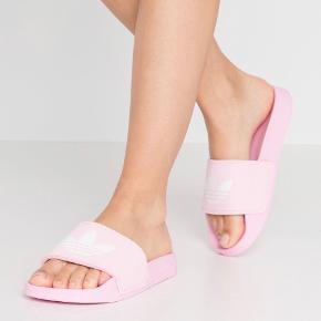 Adidas Flats
