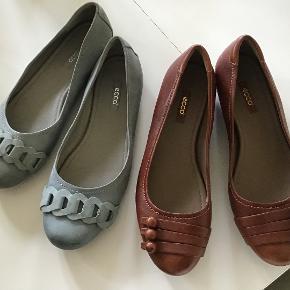 2 par rigtig flotte og lækre ballerina sko. Normale i str. 300 pp for begge par.