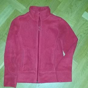 Smart varm trøje/cardigan. Jeg betaler fragt/porto.  cardigan Farve: Rød