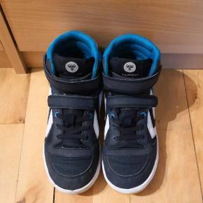 Hummel drenge sko str 35, meget god stand