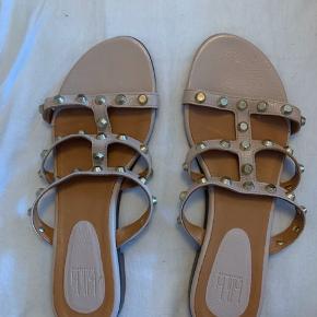 Super fine sandaler fra Billi Bi. Brugt en enkelt gang, men de var desværre for små.