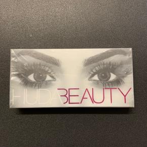 Huda Beauty eyelashes, lashes, øjenvipper.  I ubrudt emballage.  Nypris: 155.