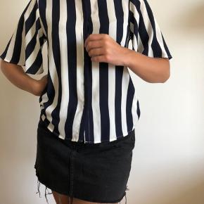 Fedeste skjorte fra et ukendt mærke Den er aldrig blevet brugt!!  Tags: Zara, h&m, vero moda