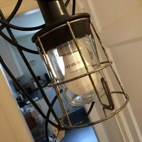 Fin og fed retro lampe