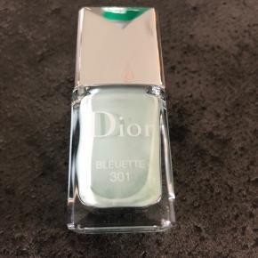 Smuk sart lak fra Dior. Brugt en gang.