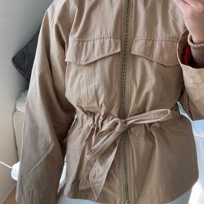 Ganni jakke