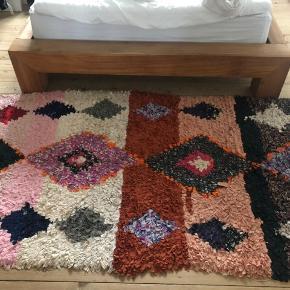 Eden Outcast marokkansk ægte tæppe. Perfekt stand.  Byd gerne!  Sender ikke