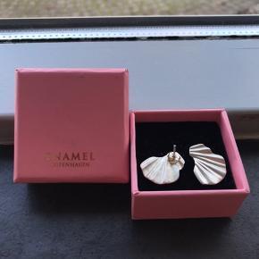 Flotteste øreringe fra Enamel Copenhagen😍  De er 925 Sterling silver og kun brugt et par få gange🥰