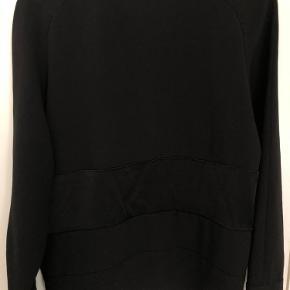 Fineste bluse/sip shirt fra SamsøSamsø. Kan styles med en flot og farverig trøje indenunder for lag på lag look 💘