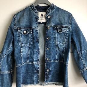 Helt ny jakke. Nypris 799