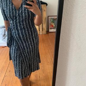 Lækker kjole fra arket, brugt en enkelt gang