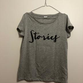Grå t-shirt fra Jacqueline de Young i str. L
